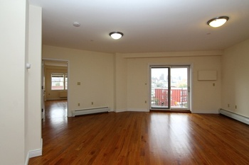 LIC Luxury Rental. Roofdeck. Gym . Spectacular Views . Great ...