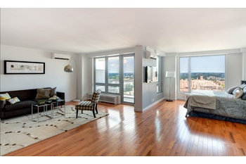 LUXURY LARGE 3 Bed/2 Bath (FLEX 4) Apartment. Terrace. Doorman. Great  Location. 20 Min To Midtown Manhattan