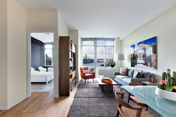 LUXURY LONG ISLAND CITY. 1 Br /1 Bth . Condo Style Finishes NEWEST ...